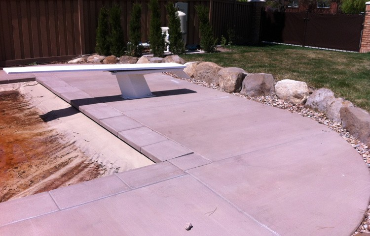POOL RETAINING WALL Edge Landscaping